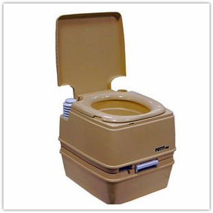 Строим дачный туалет своими руками