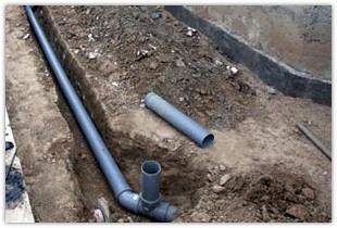 Правильная установка наклона канализационных труб для разных элементов ванной комнаты и кухни согласно СНиП